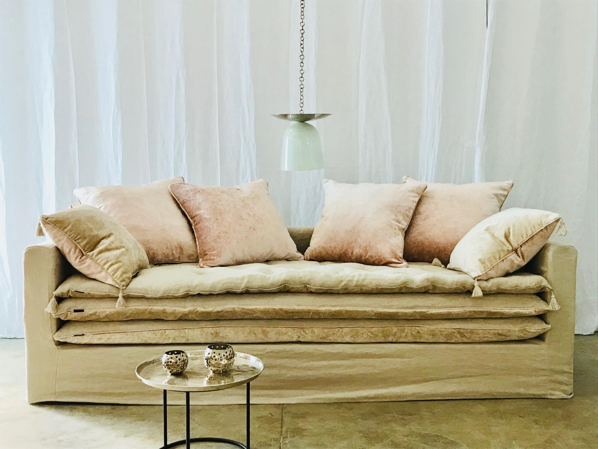 Canapé sur mesure lin lavé beige ficelle Cannes et Valbonne Côte d'azur