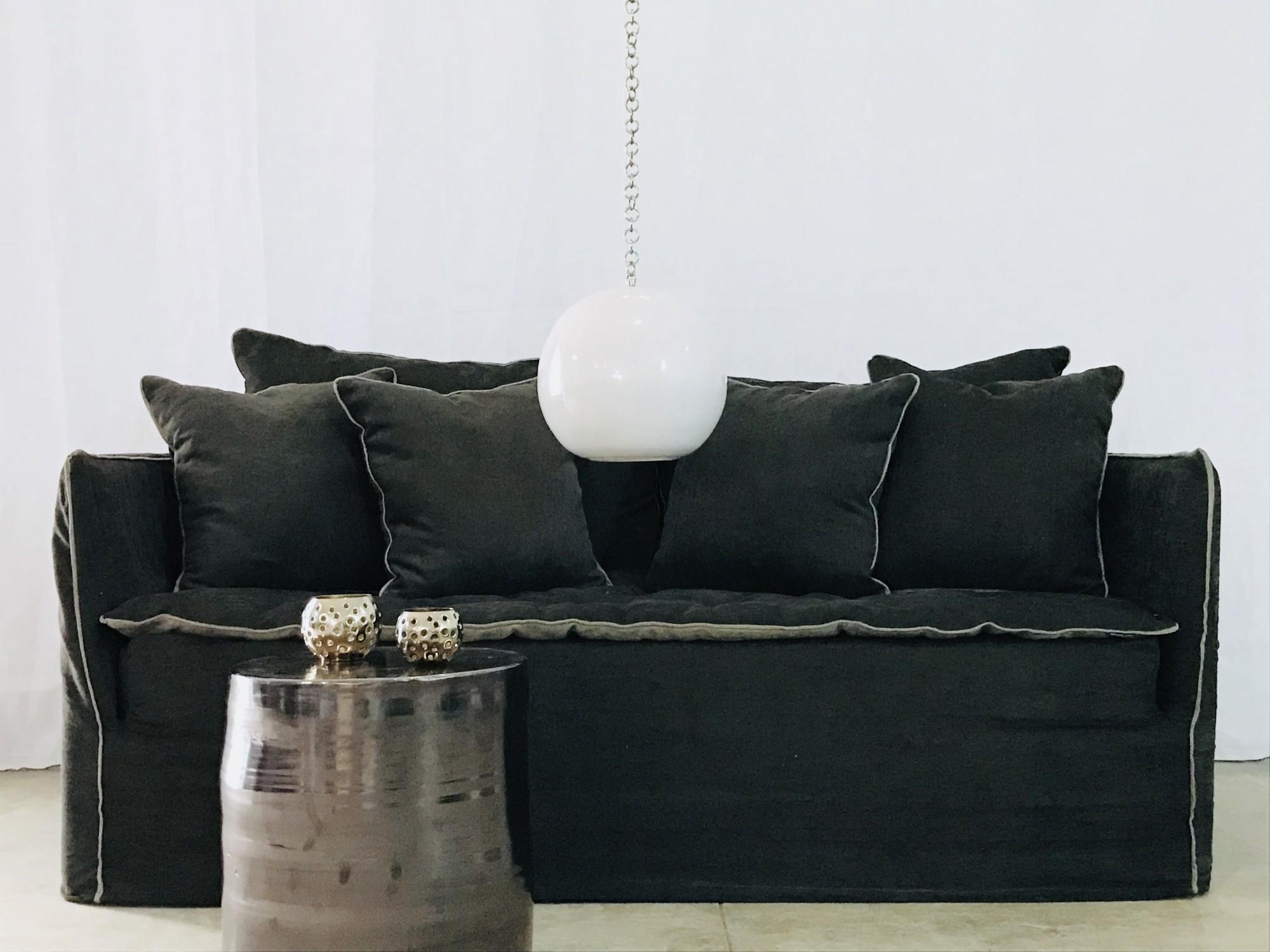 Canapé sur mesure lin lavé noir Cannes et Valbonne Côte d'azur