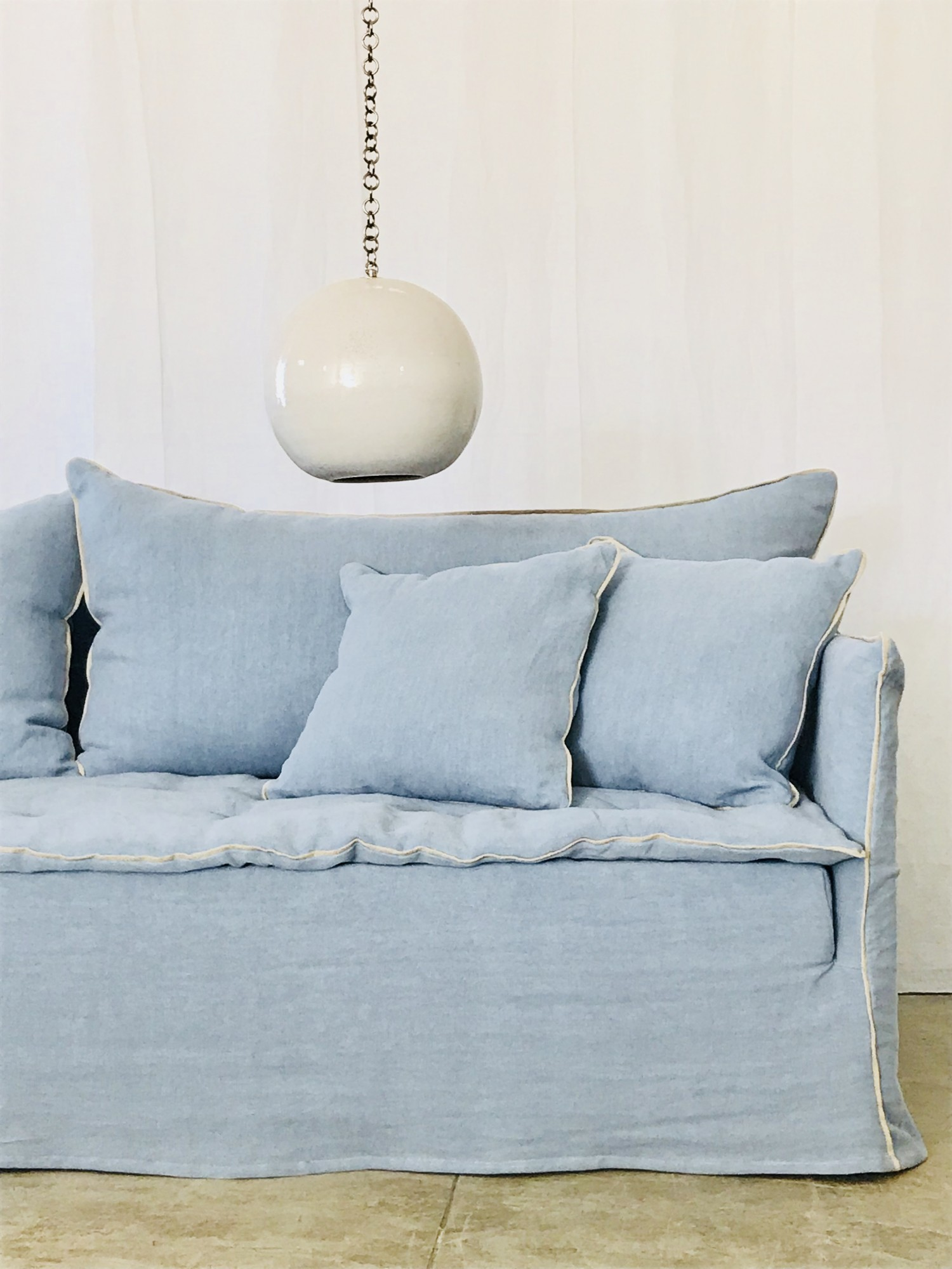 Canapé en lin lavé bleu azur Avignon