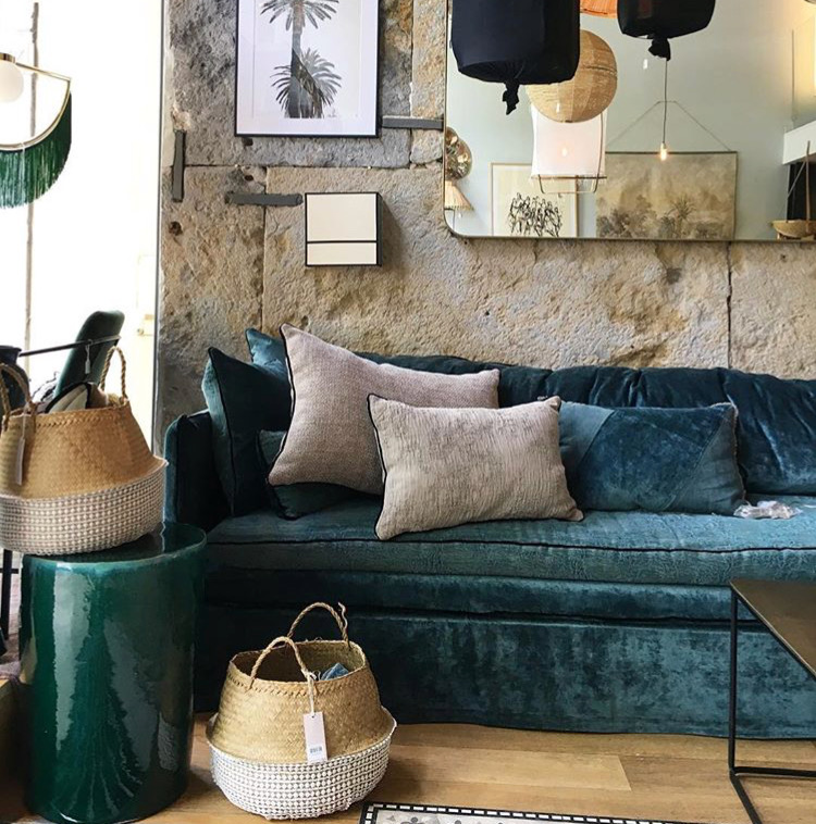 Canapé sur mesure en velours bleu canard à Nantes