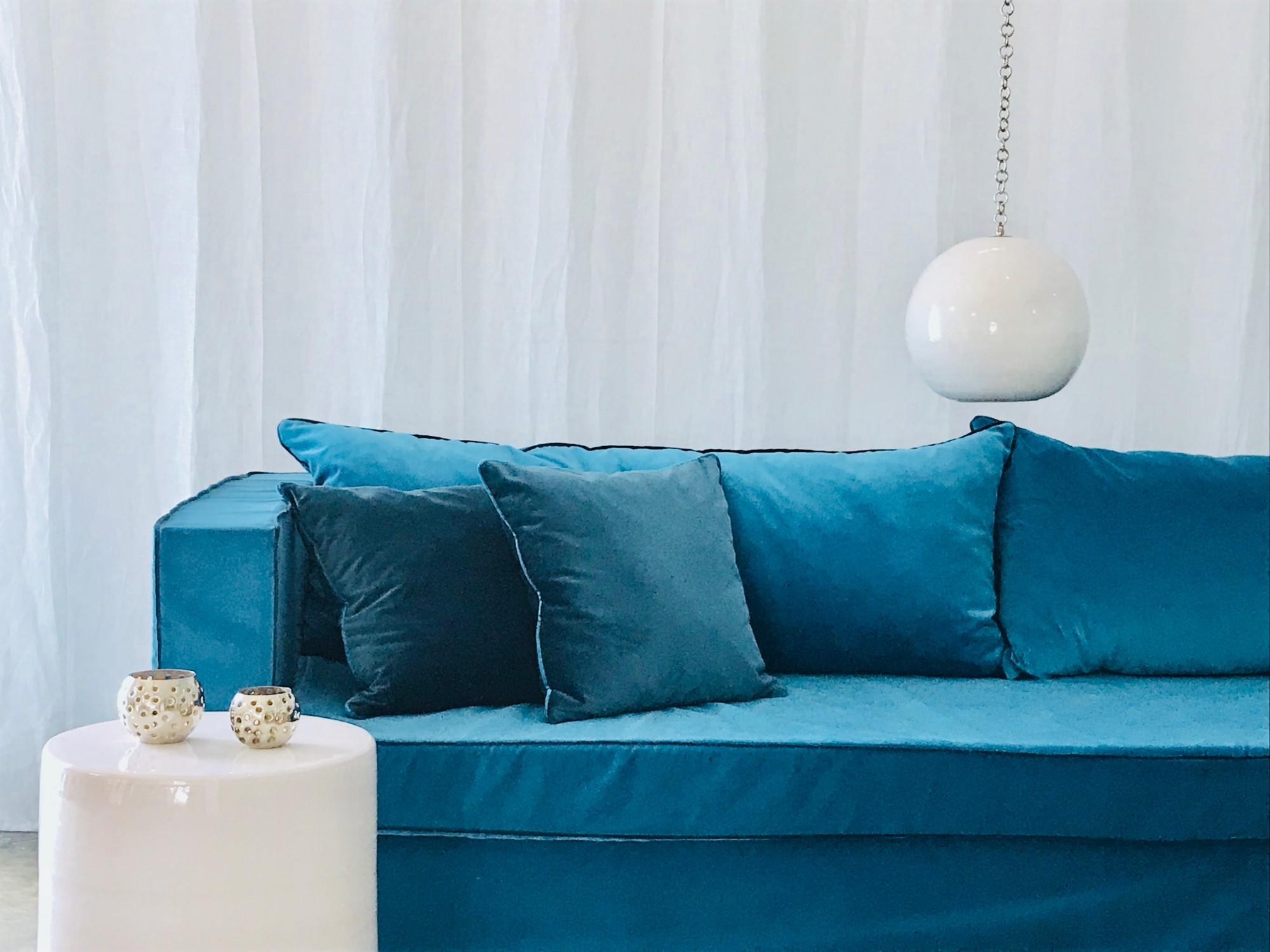 canap sur mesure en lin ou velours rennes prix tout doux catalogue mobilier sur mesure. Black Bedroom Furniture Sets. Home Design Ideas