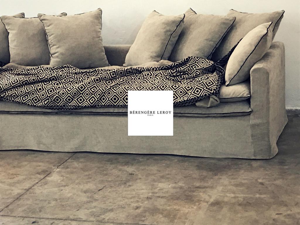 Canapé sur mesure Boheme en lin lavé beige ciment Cannes