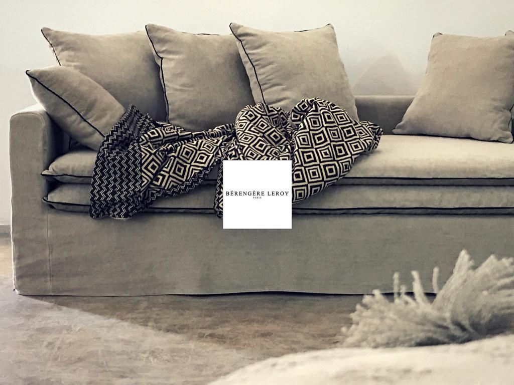 Canapé sur mesure Boheme en lin lavé beige ciment Bruxelles