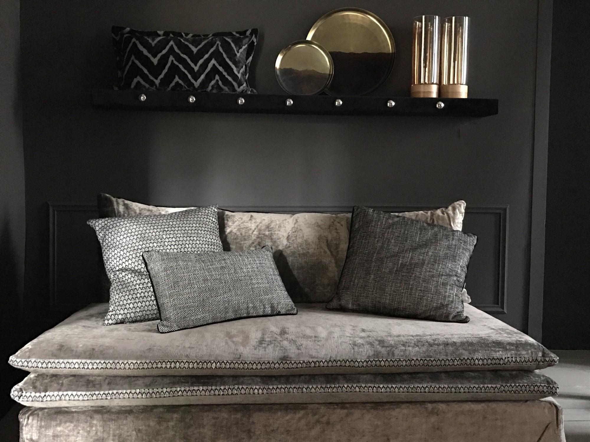 canapé sur mesure en velours lavé gris taupe Avignon