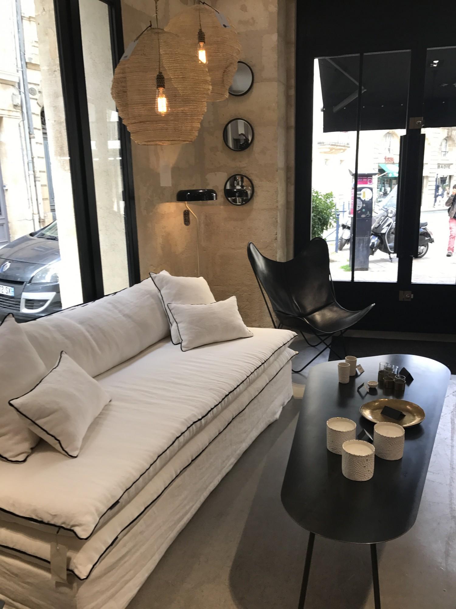 Canapé en lin lavé blanc à Lyon