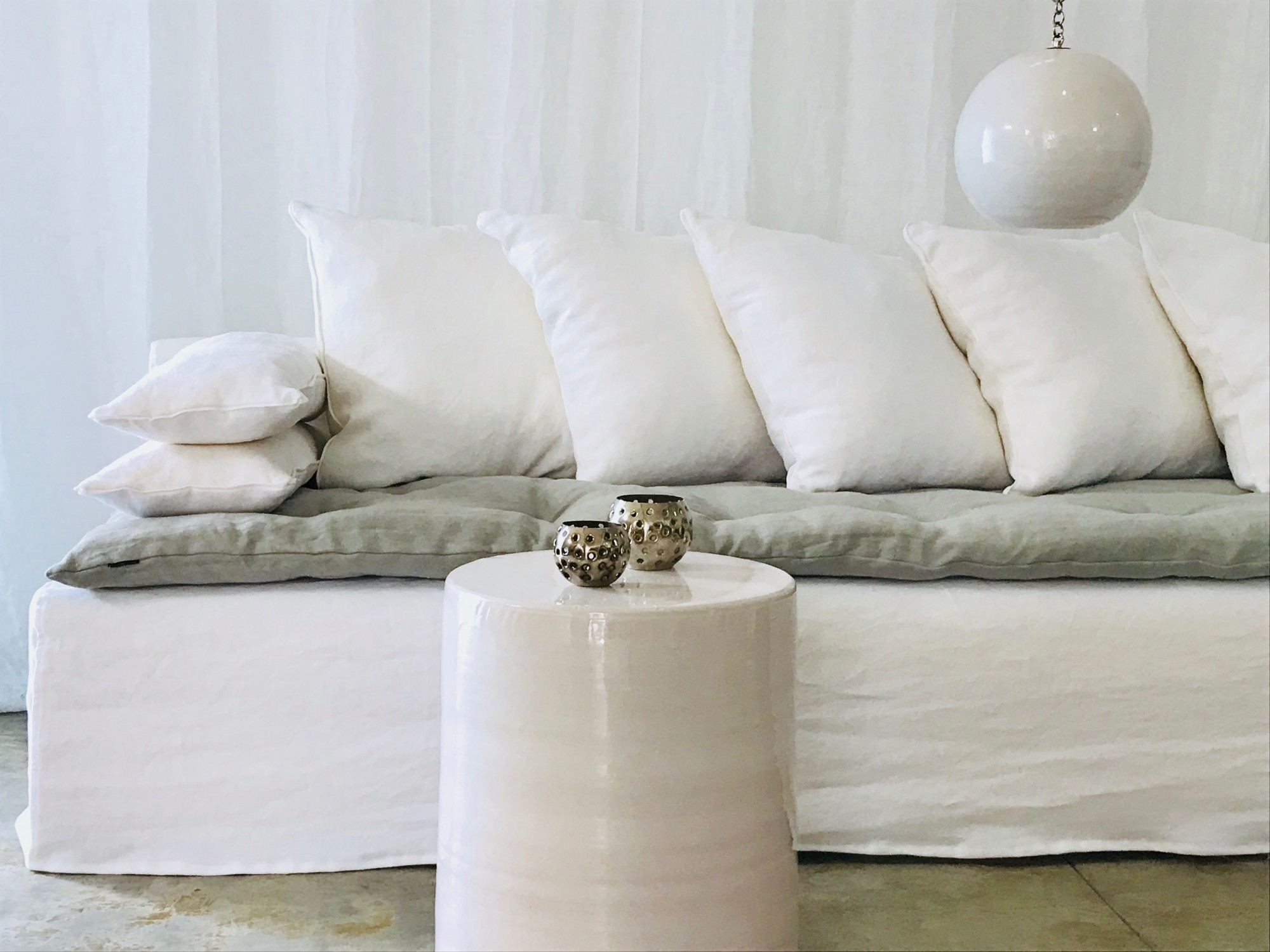 Canapé sur mesure lin lavé blanc Cannes