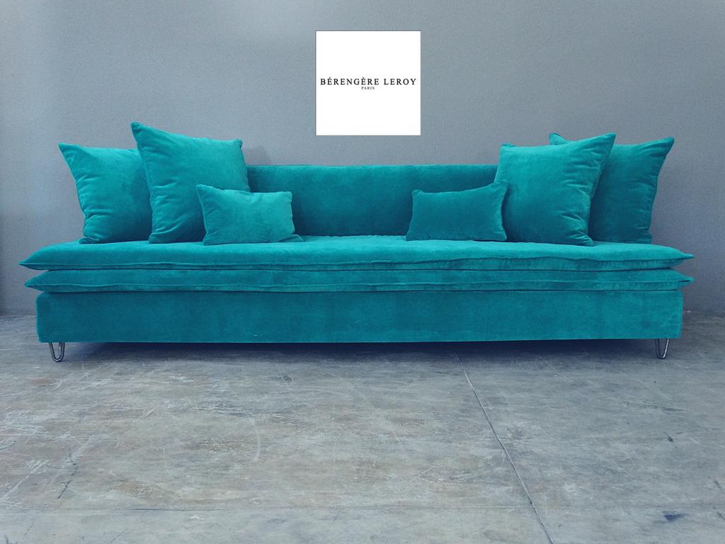 canape sur mesure en velours catalogue mobilier sur mesure paris b reng re leroy. Black Bedroom Furniture Sets. Home Design Ideas