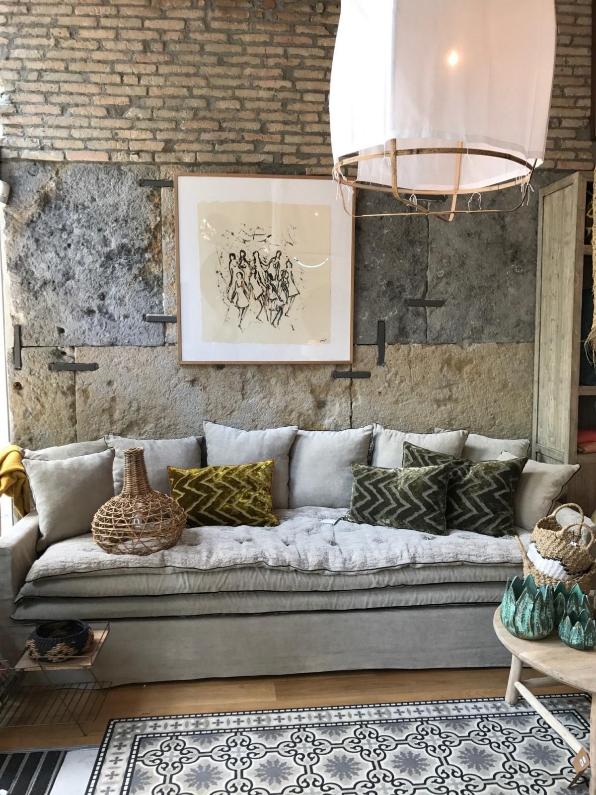 canapé sur mesure en lin lavé beige ciment à Bordeaux