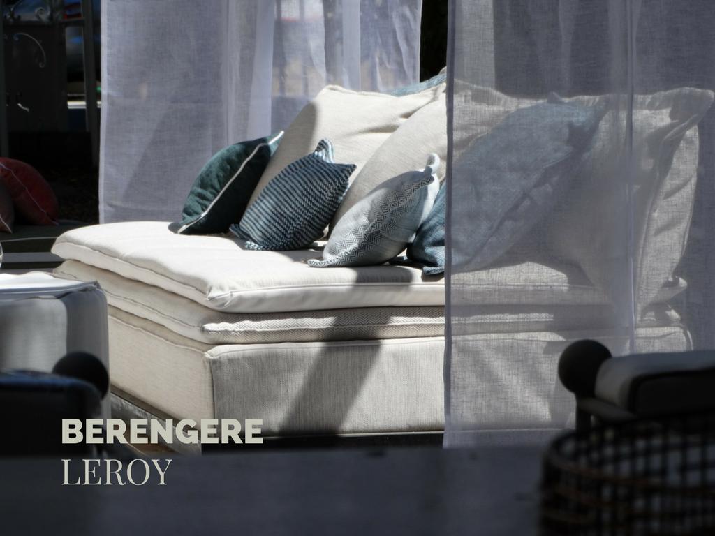canapé sur mesure en lin lavé beige écru Corse