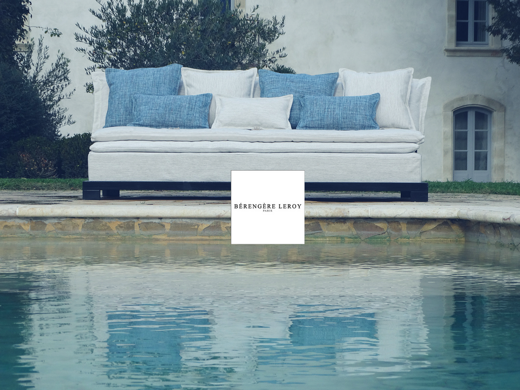 Sofas outdoor in Paris