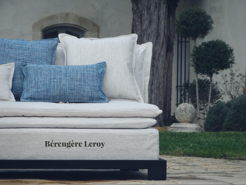 Sofas outdoor in Valbonne