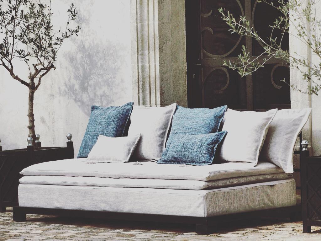 Canapé outdoor de luxe à Paris
