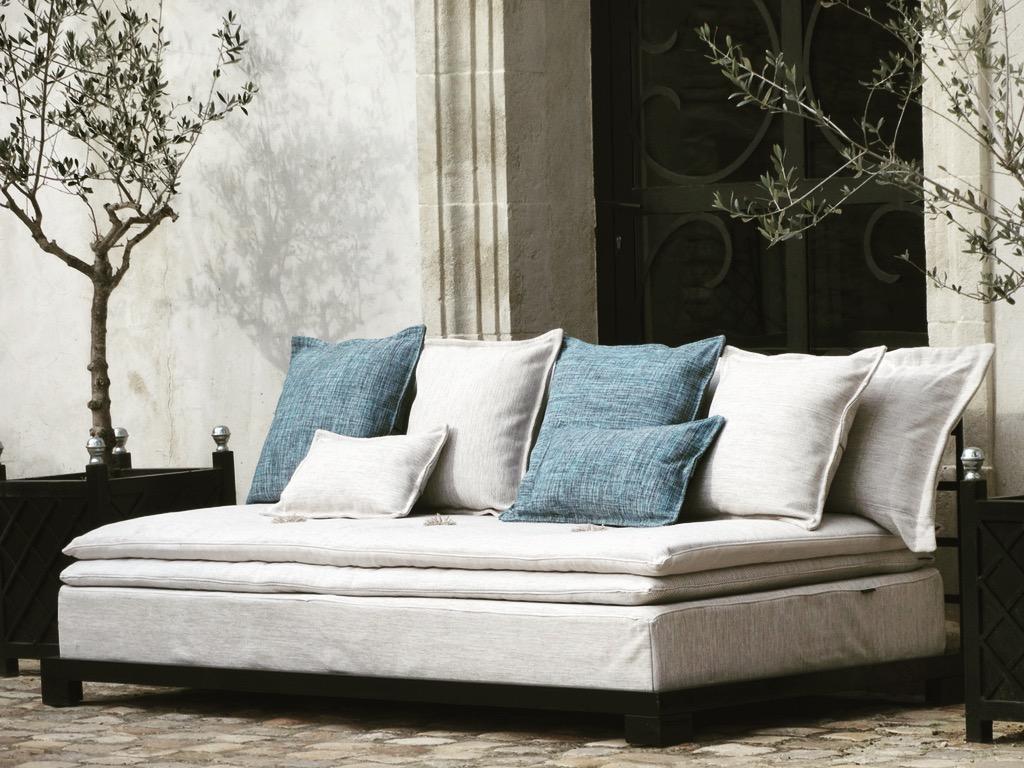 Sofas outdoor monaco catalogue b reng re leroy for Sofa exterior leroy