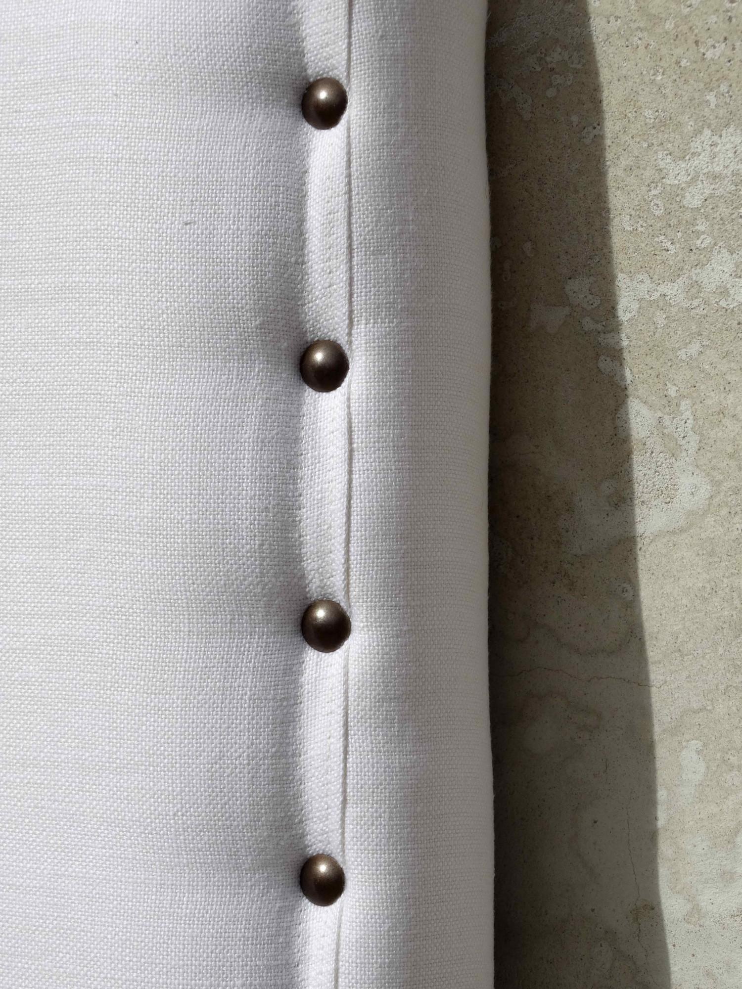 Fabricant de têtes de lit sur mesure en lin blanc