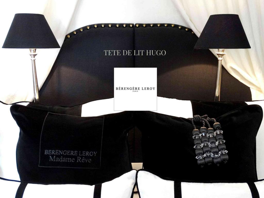 Tête de lit sur mesure cloutée en lin noir à Londres