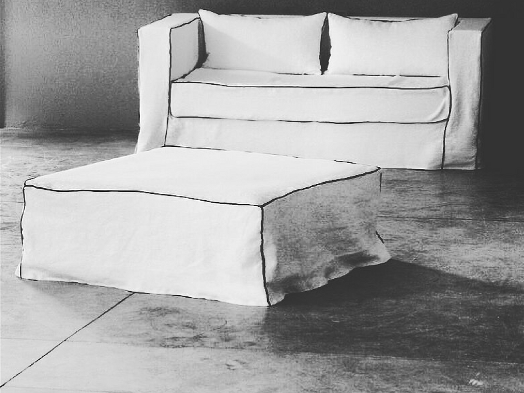 pouf sur mesure ambre catalogue mobilier sur mesure paris b reng re leroy. Black Bedroom Furniture Sets. Home Design Ideas