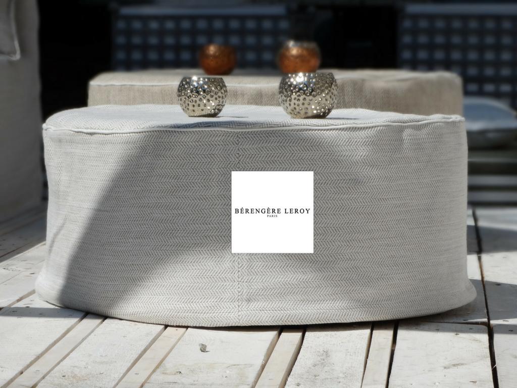 poufs luna catalogue mobilier sur mesure paris b reng re leroy. Black Bedroom Furniture Sets. Home Design Ideas