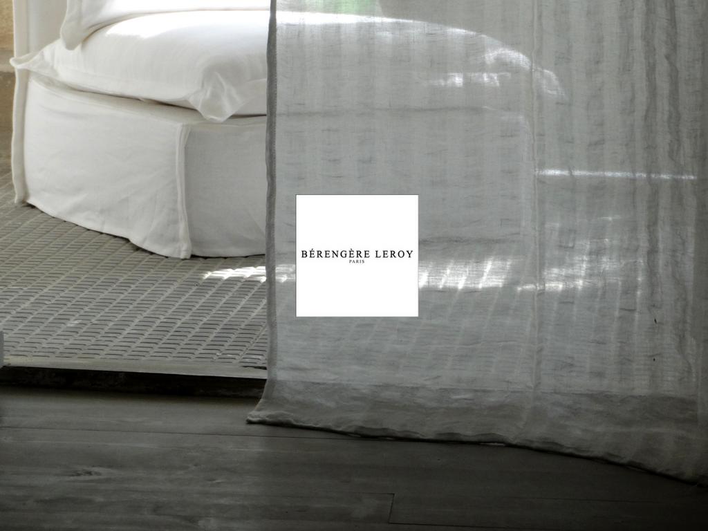 rideaux sur mesure en voile de lin grande largeur sur mesure mobilier sur mes. Black Bedroom Furniture Sets. Home Design Ideas