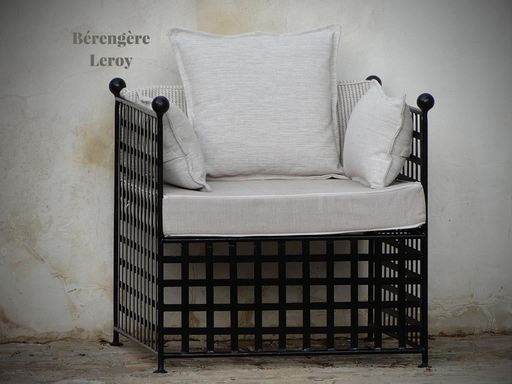 mobilier d 39 exterieur haut de gamme catalogue mobilier sur mesure paris b reng re leroy. Black Bedroom Furniture Sets. Home Design Ideas
