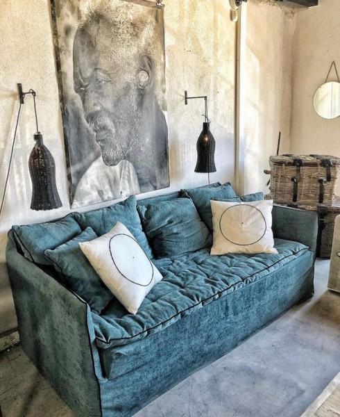 Canapé sur mesure velours bleu canard Saint Tropez