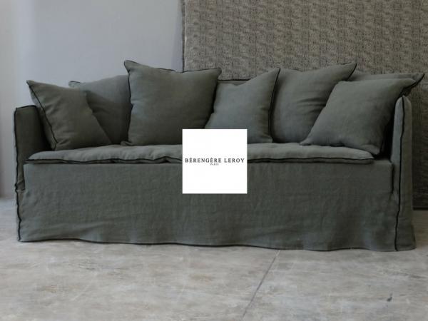 Canapé sur mesure en lin lavé kaki Paris