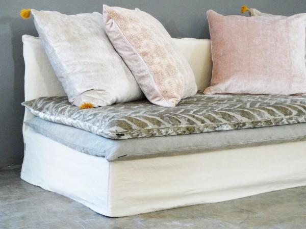 canapé sur mesure en lin lavé beige sable Paris
