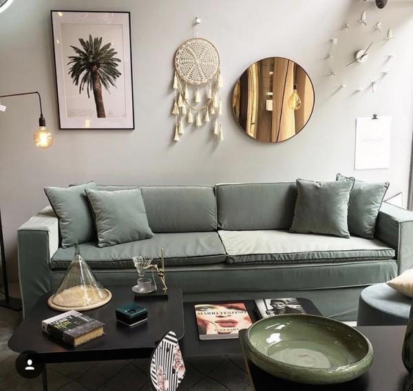 canap leo en velours vert celadon collections mobilier sur mesure paris b reng re leroy. Black Bedroom Furniture Sets. Home Design Ideas