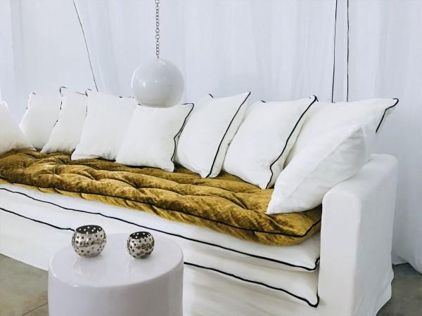 Canapé sur mesure en lin blanc Saint Tropez