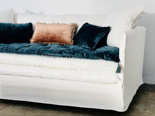 Canapé sur mesure en lin lavé blanc Saint Tropez