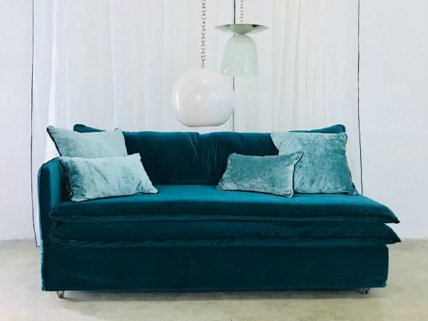 Canapé sur mesure en velours bleu canard Paris
