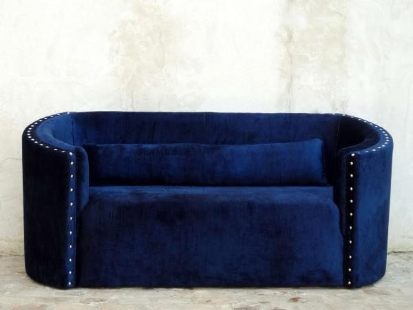 canapé sur mesure en velours bleu nuit Paris