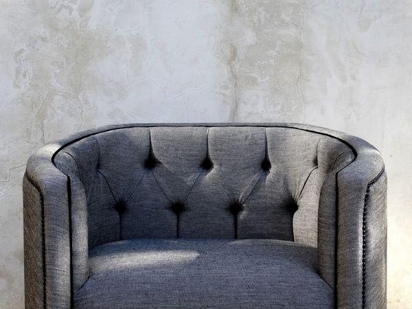 Fauteuil sur mesure en lin gris à Paris