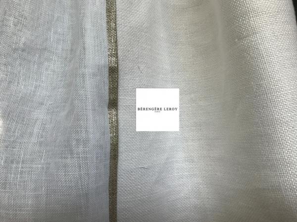Rideaux sur mesure en voile de lin blanc grande largeur ganse dorée Paris
